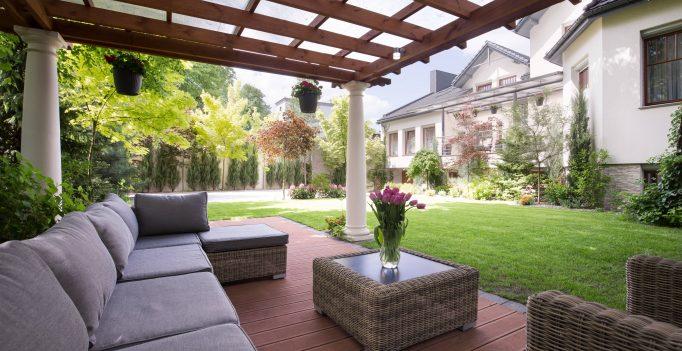 spacious patio