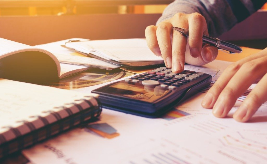 Calculating customer debt