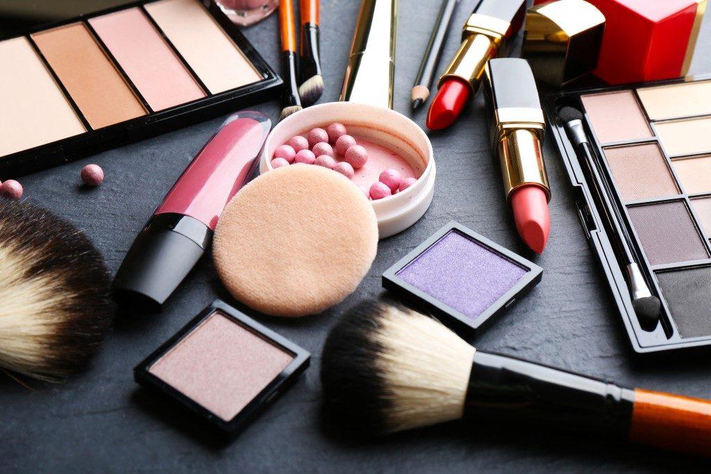 cosmetics and make up tools