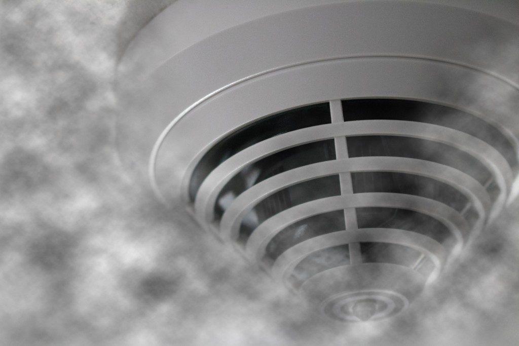 Smoke detector at fire alert