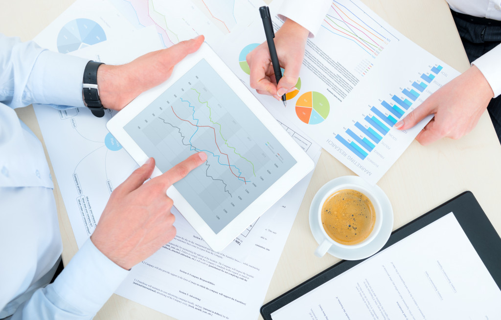 people planning finances