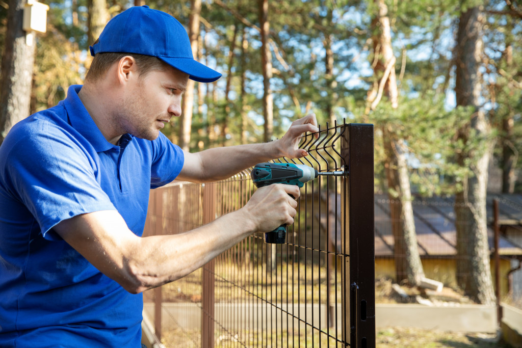 installing electric fence